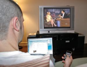 Geração Y - celular, computador e TV